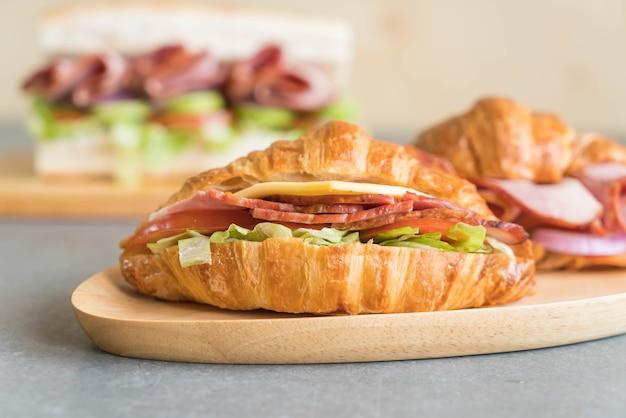 Prosciutto panino croissant