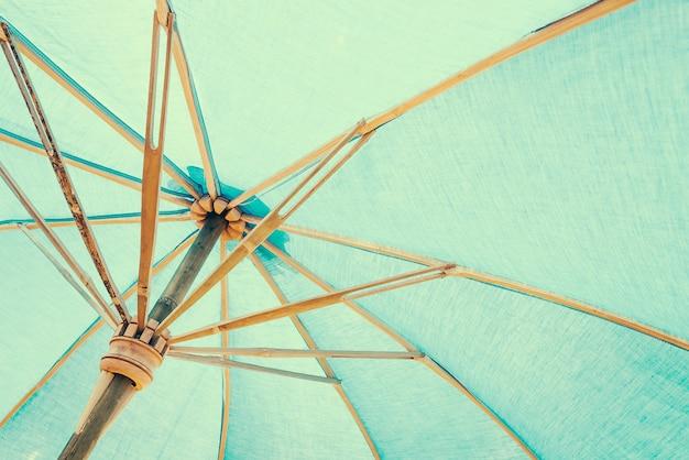 Protezione parasole cielo verde ombrello