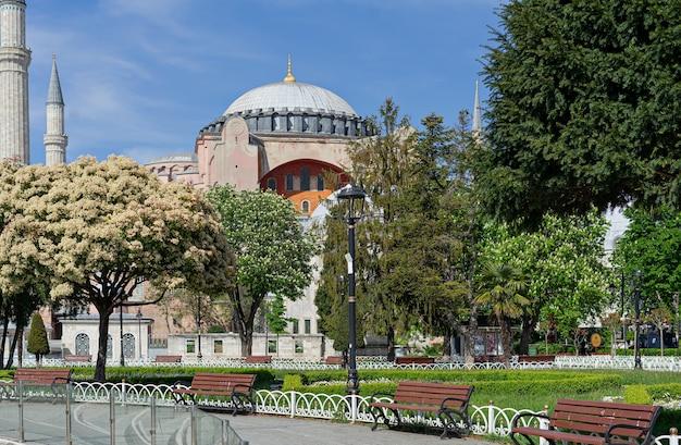 Punto di riferimento storico di ayasofia istanbul, turchia.
