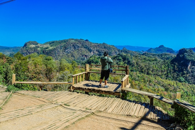 Punto di vista del villaggio di baan jabo, pang mapha, mae hong son, tailandia