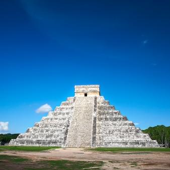 Pyramid chichen itza, messico