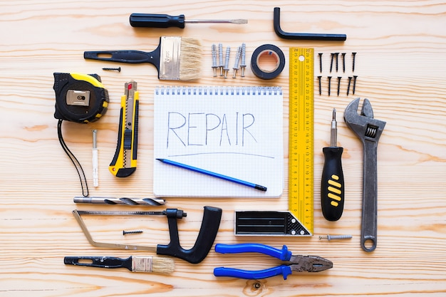 Quaderno per registri e strumenti di costruzione per la costruzione di una casa o un appartamento di ristrutturazione
