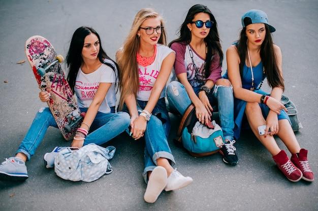 Quattro belle ragazze