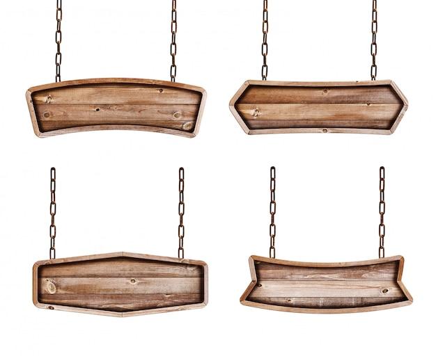Raccolta dei segni di legno con la catena su fondo bianco