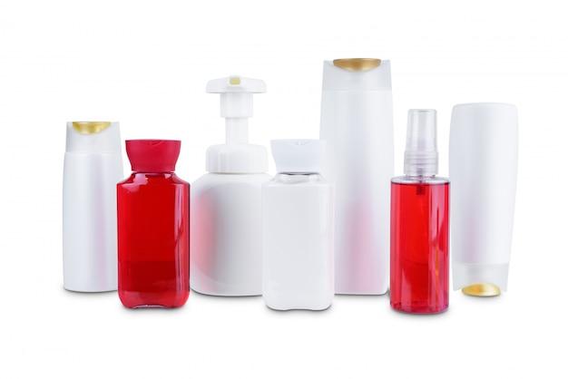 Raccolta della bottiglia di plastica dei contenitori di igiene cosmetica di bellezza isolata su fondo bianco