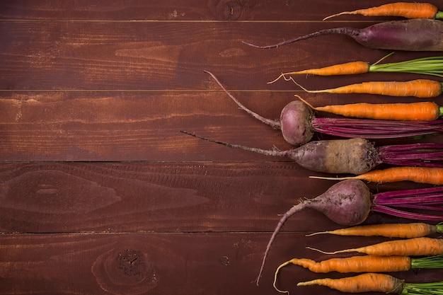 Raccolta delle verdure di autunno per il concetto di ringraziamento