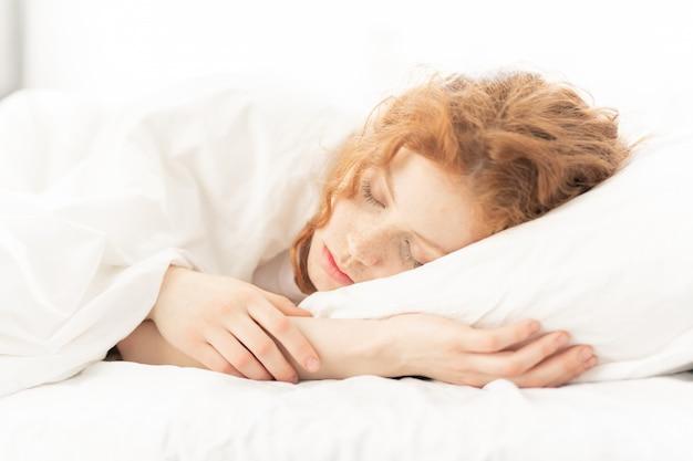 Ragazza che dorme