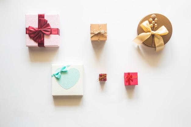 Regali o regali di natale di festa, vista dall'alto