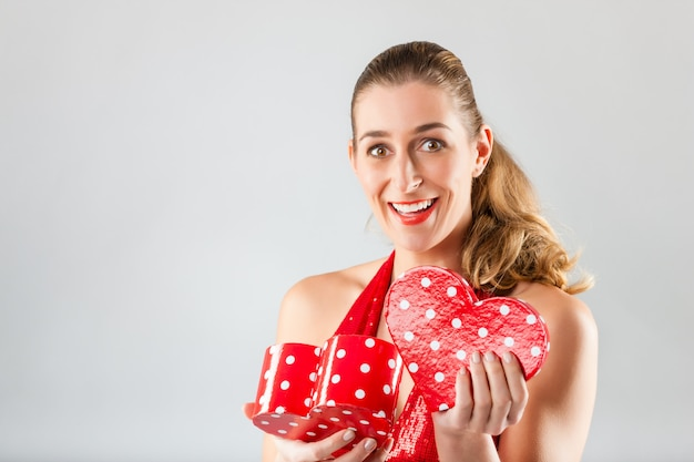Regalo d'apertura della donna per il giorno di biglietti di s. valentino