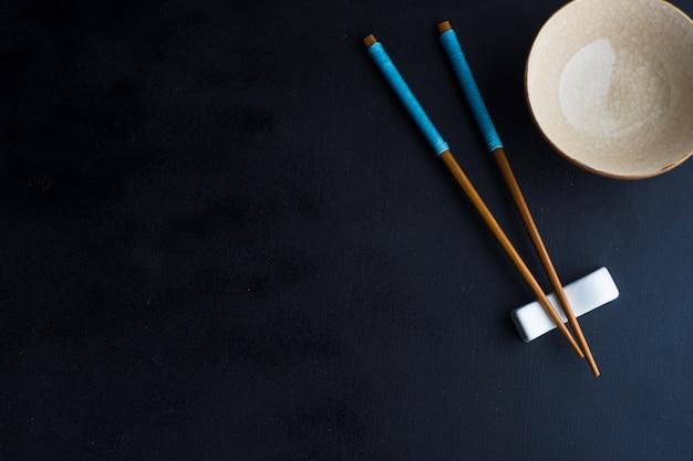 Regolazione della tabella con le bacchette