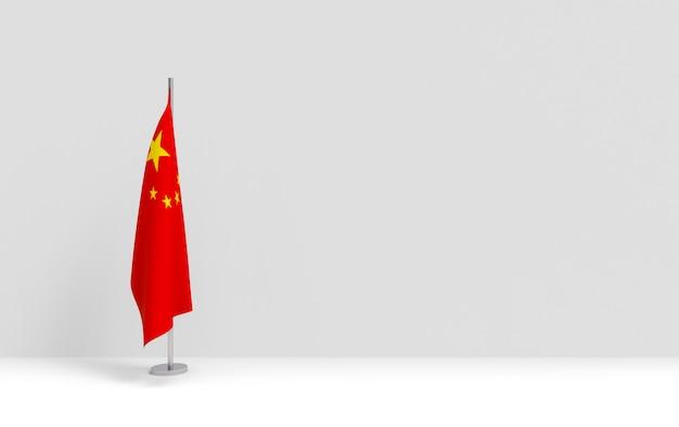 Rendering 3d. podio cinese pieghevole palo della bandiera nazionale sul palco vuoto muro di cemento grigio.