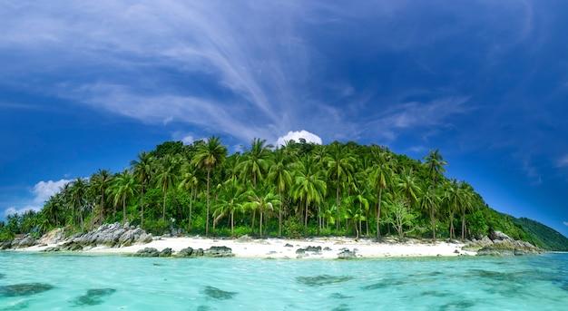 Resort perfetto sullo sfondo