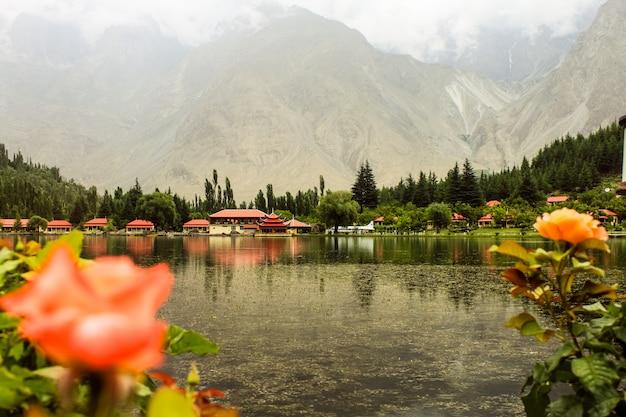 Resort shangrila con lago