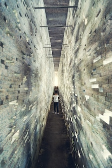 Restauro del muro nazari dell'albaicin a granada