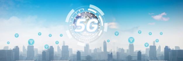 Rete globale di tecnologia e 5g su città, comunicazione sociale e concetto digitale online