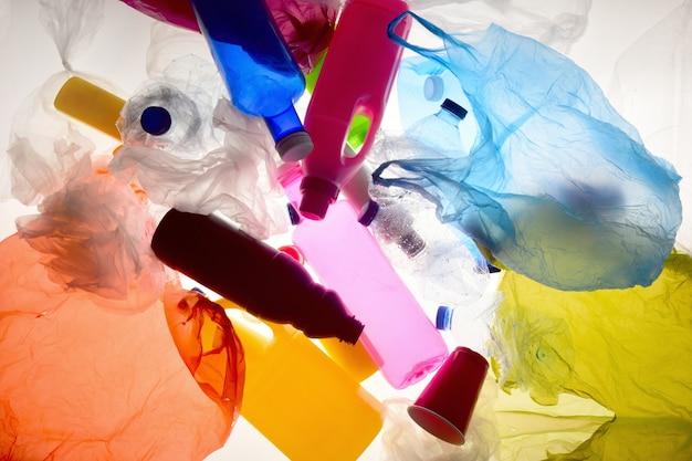 Retroilluminazione in plastica dei rifiuti