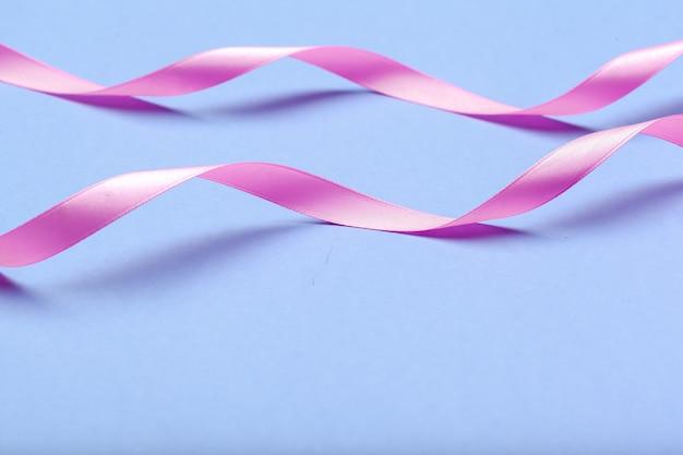 Ribbon hiv, aids su sfondo blu