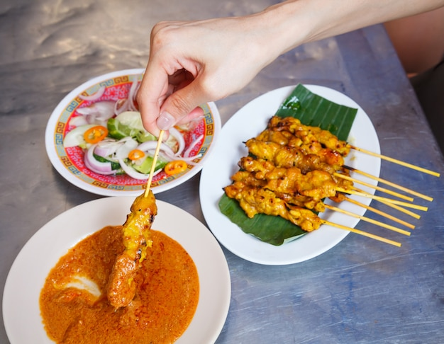Ricetta tradizionale thailandese di cibo di strada