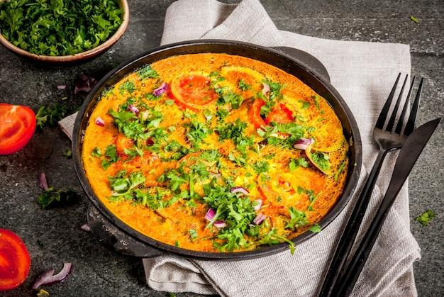 Ricette alimentari indiane, frittata di masala con verdure fresche