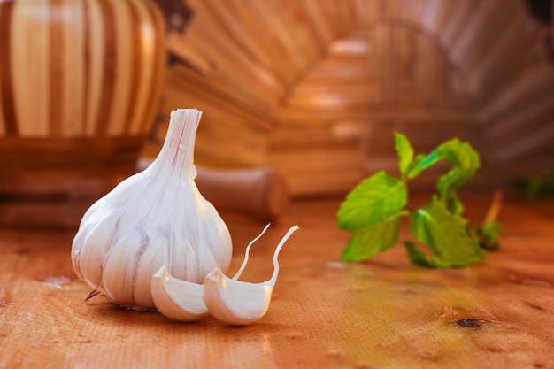 Ricette di cibo indiano all'aglio, al coriandolo e allo zenzero
