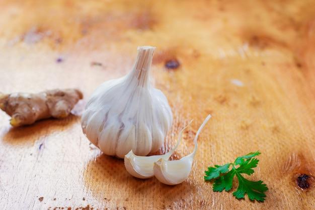 Ricette indiane di aglio, coriandolo e zenzero