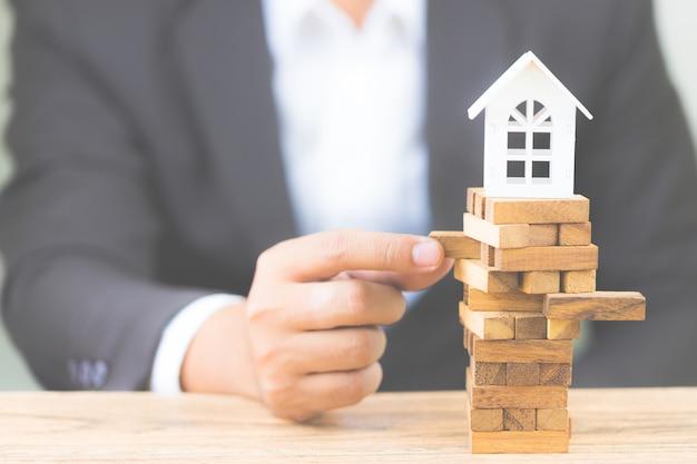 Rischio di investimento e incertezza nel mercato immobiliare immobiliare. investimento immobiliare