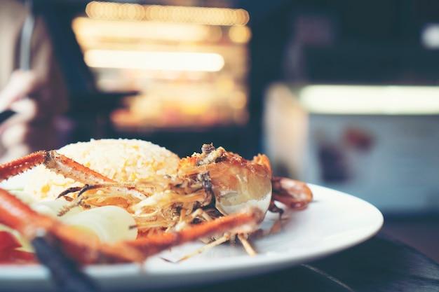 Riso fritto di gamberetti, cibo tailandese