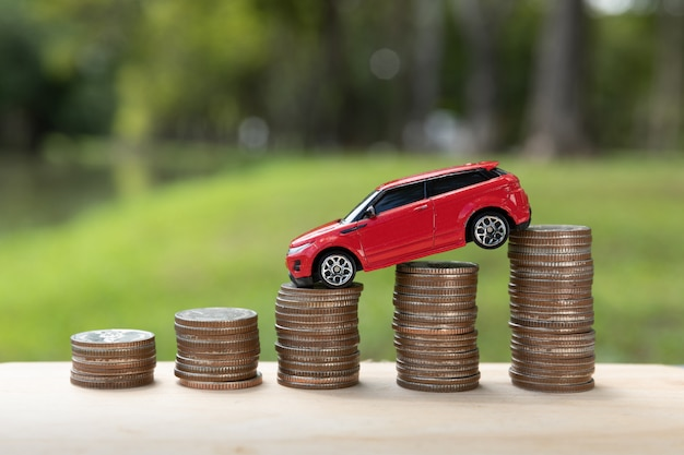 Risparmio di denaro per auto o auto commerciale per contanti