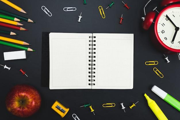 Ritorno a scuola con lo spazio della copia.
