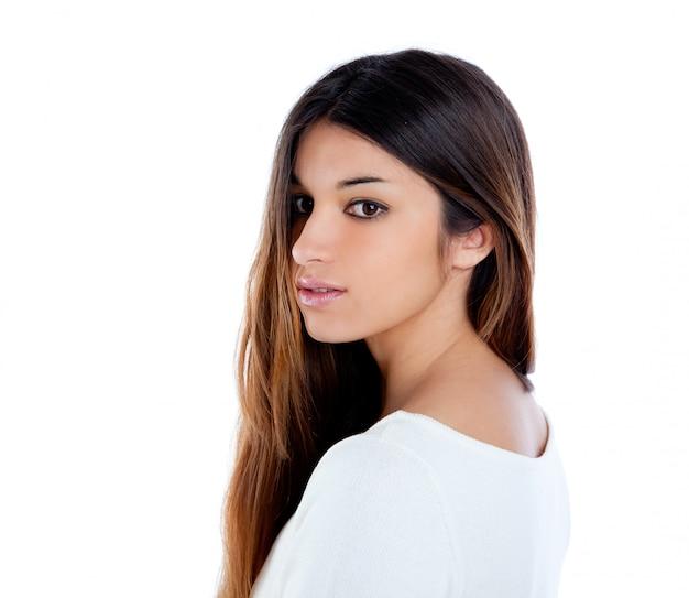Ritratto castana della ragazza indiana asiatica di profilo