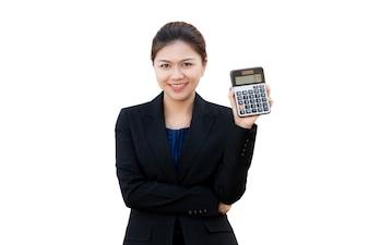 Ritratto del calcolatore di manifestazione della donna di affari, isolato su priorità bassa bianca