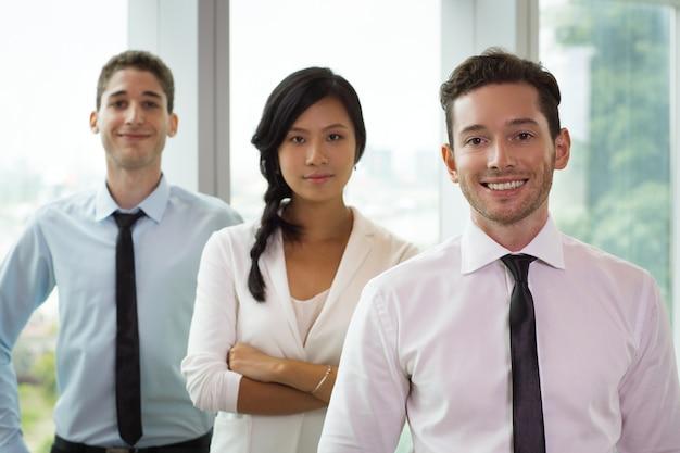 Ritratto di business persone in ufficio 5