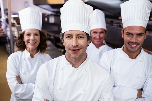 Ritratto di chef sorridente