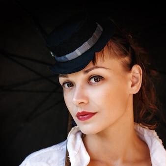 Ritratto di close-up di bella donna