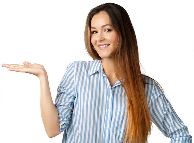 Ritratto di donna felice isolata over white