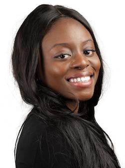 Ritratto di felice donna afro-americana