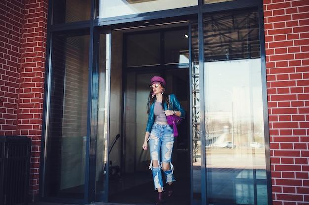 Ritratto di ragazza alla moda