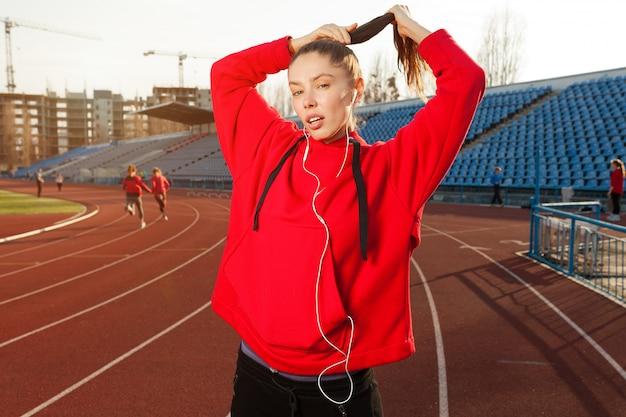 Ritratto di un atleta bella ragazza