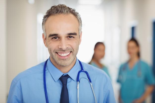 Ritratto di un dottore felice