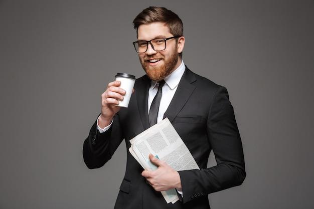 Ritratto di un giovane uomo d'affari felice