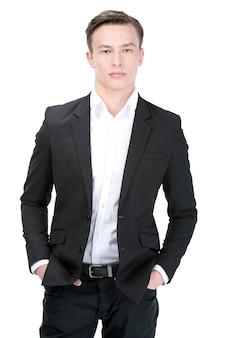 Ritratto di un giovane uomo d'affari sorridente.