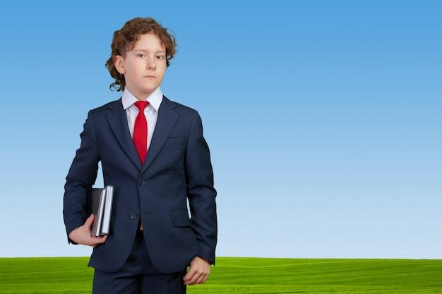 Ritratto di un uomo d'affari bambino