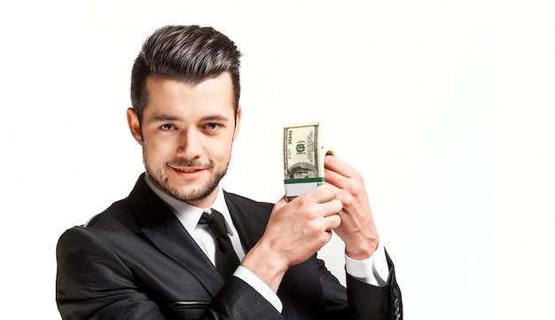Ritratto di un uomo d'affari in possesso di denaro