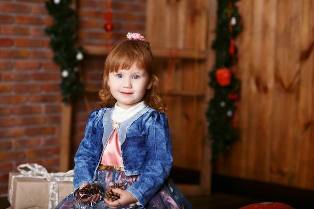 Ritratto di una bambina adorabile