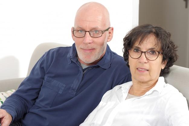 Ritratto di una coppia senior felice
