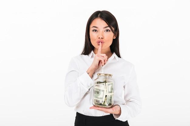 Ritratto di una donna d'affari piuttosto asiatica
