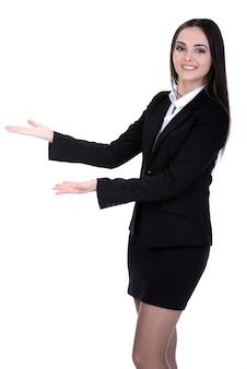 Ritratto di una giovane donna attraente per le imprese.