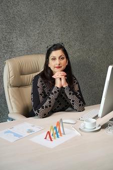 Ritratto femminile del direttore dell'azienda