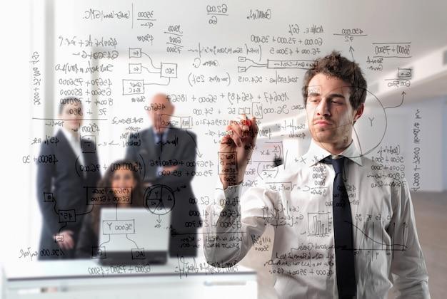 Riunione d'affari e presentazione di un progetto