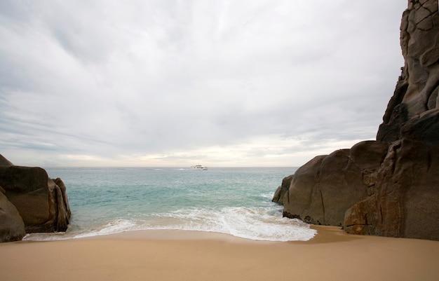 Rocce dal mare